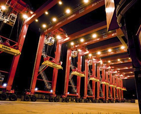 оборудование контейнерных терминалов на фото