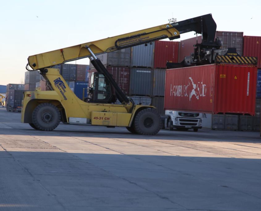оборудование контейнерного терминала